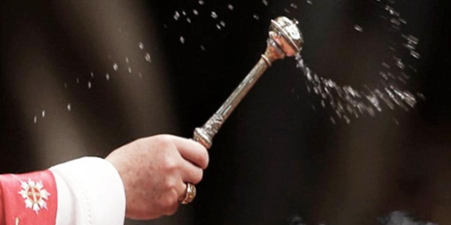 agua bendita para el hogar